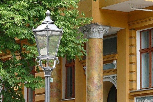 Haus mit Laterne